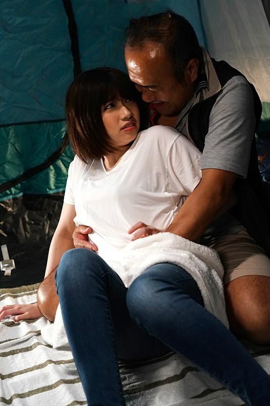 【波多野结衣】JUL-319:陶醉在与大叔们的多P性爱之中,一边吸屌一边被插,乐不可支啊!