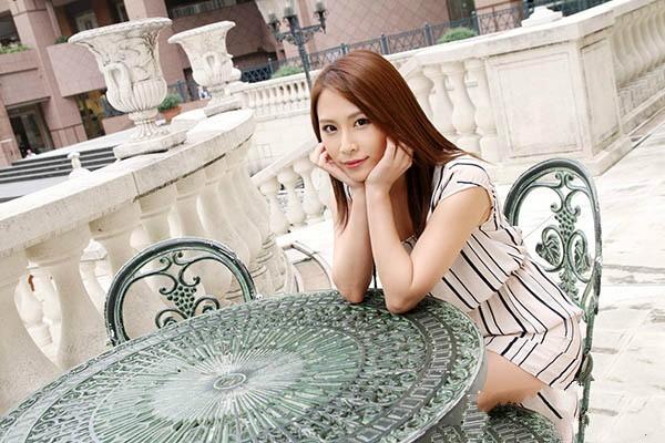 【波多野结衣】最优秀熟女赏「花咲一杏」AV引退粉丝崩溃不舍:说好的「活到老拍到老」呢