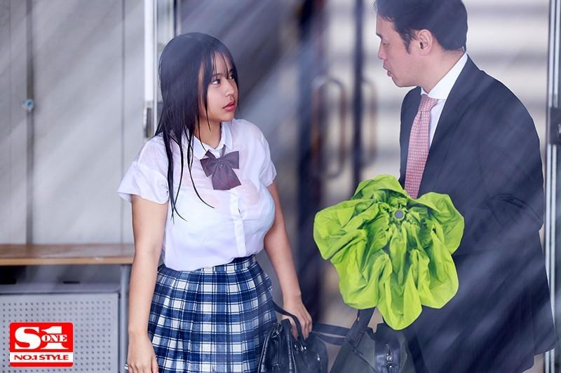 【波多野结衣】SSNI-796:老师为了帮湿身的巨乳学生妹夕美しおん取暖,抽插到天亮了。